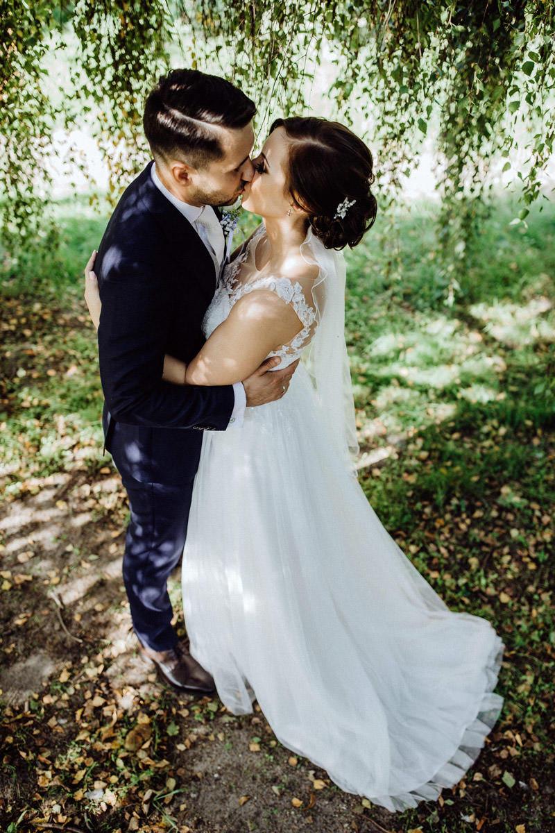 Hochzeitsfotos im Park in Vechta Hochzeitsfotograf Lichtbildlars Vechta