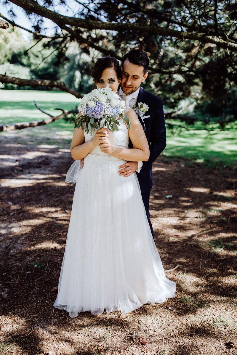 Hochzeitsfotos im Park in Lohne Hochzeitsfotograf Lichtbildlars Vechta