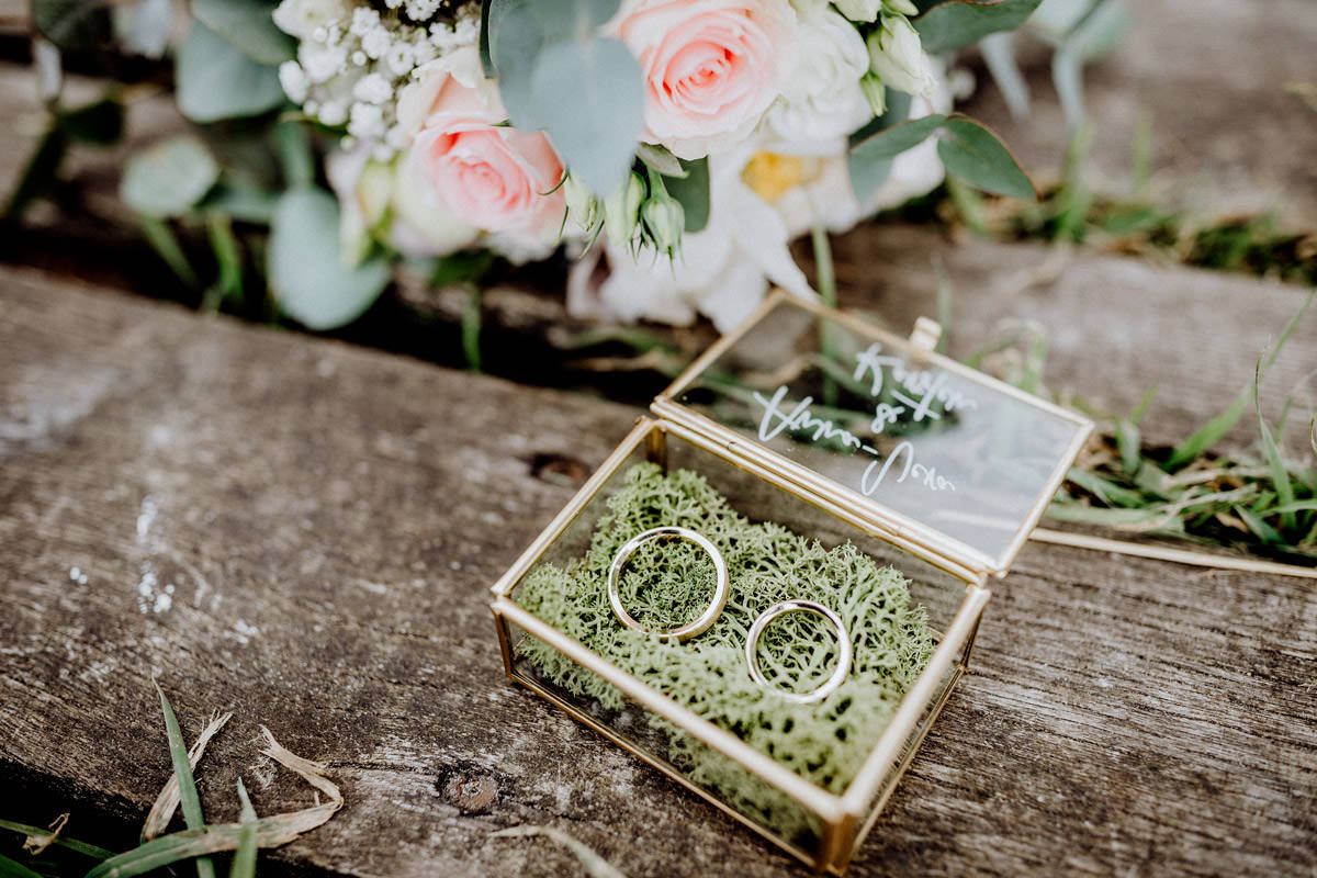Hochzeitsfotos Ringe Haus im Moor Goldenstedt Hochzeitsfotograf Lichtbildlars Vechta