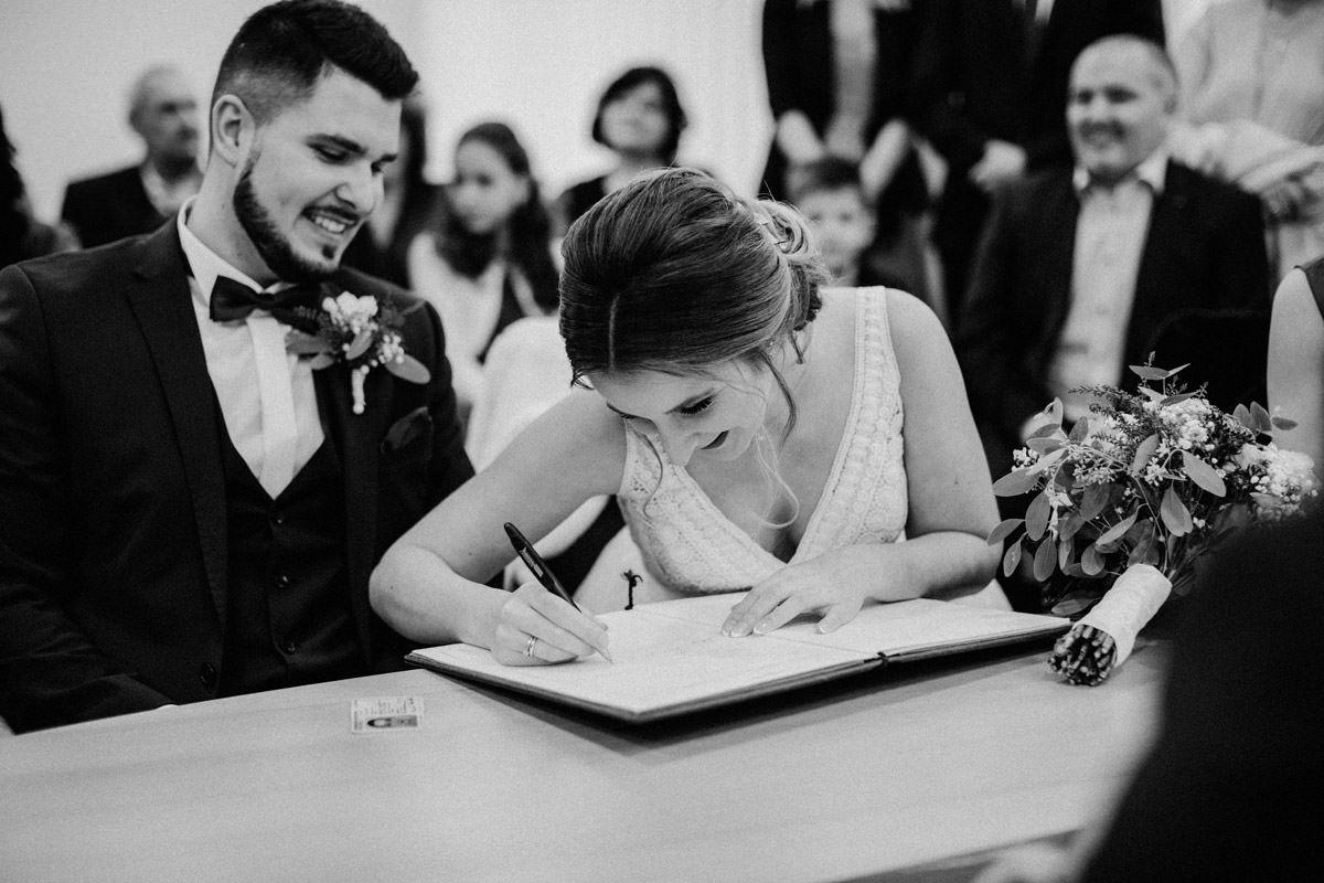 Hochzeitsfotos im Standesamt in Goldenstedt Hochzeitsfotograf Lichtbildlars Vechta