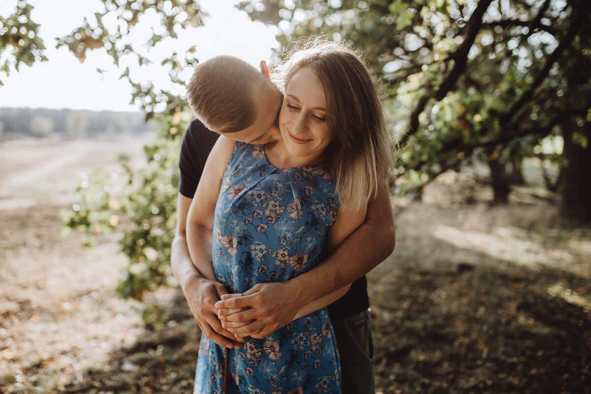 Paarshooting im Sommer in der Heide Paarfotograf Vechta