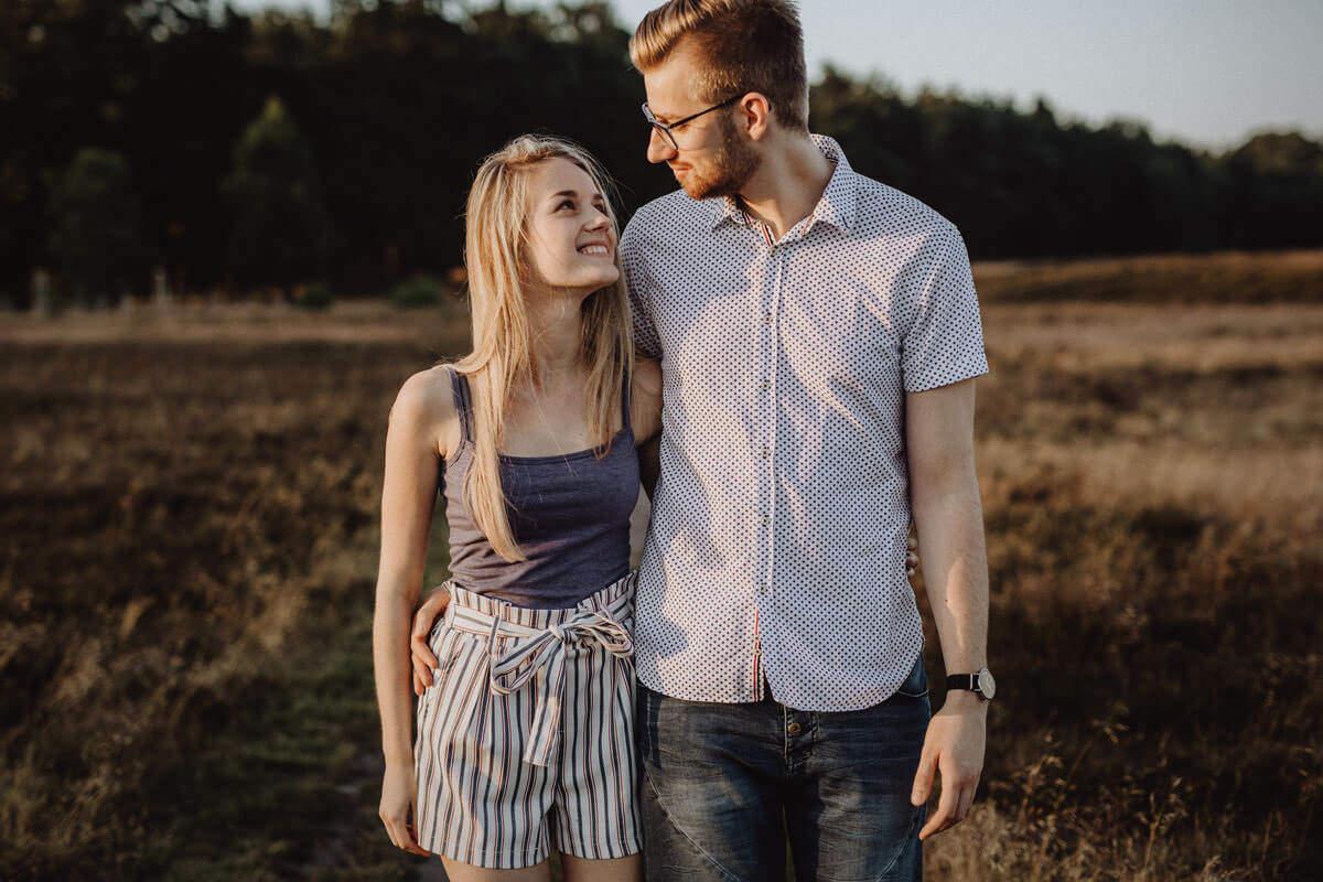 Paarshooting im Sommer in der Heide in Vechta