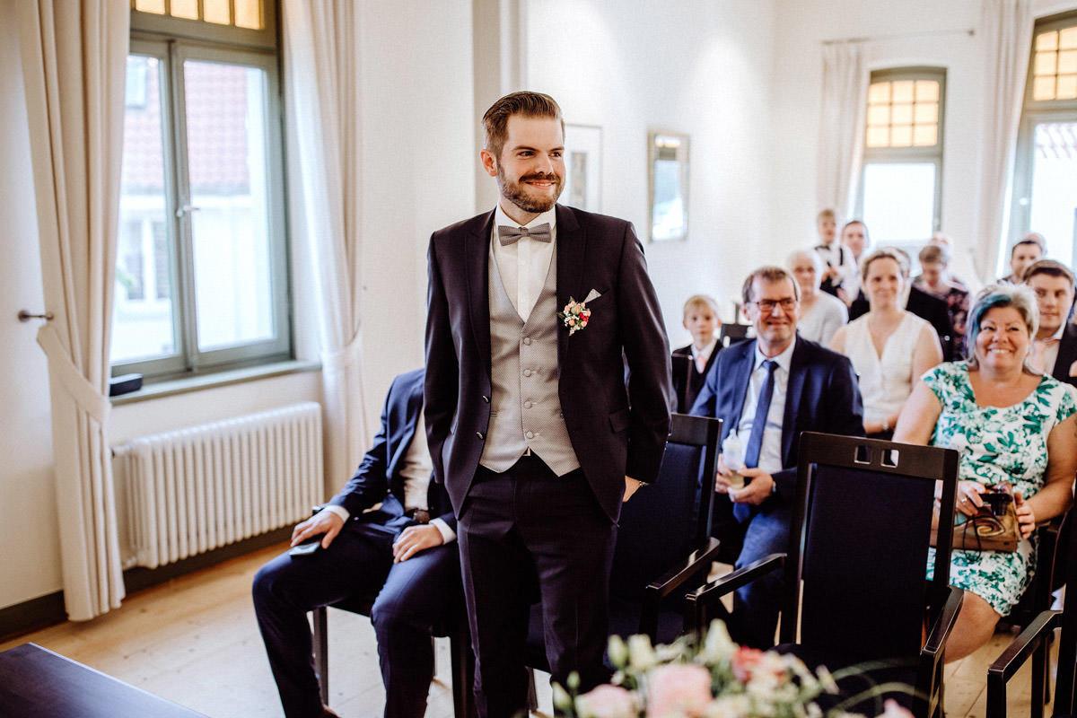 Hochzeitsfotos Standesamt in Lohne Hochzeitsfotograf Lichtbildlars Vechta